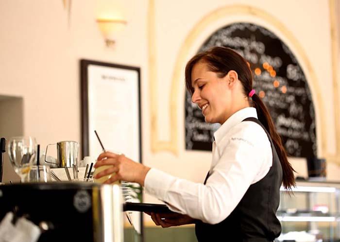 Hur mycket dricks bör man ge på restaurangen?